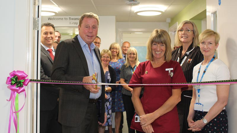 Harry Redknapp Officially opens the new XRAY dept